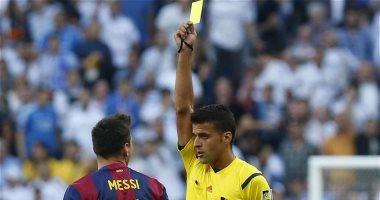 تعرف على حكم موقعة أتلتيكو مدريد ضد برشلونة بالدورى الإسبانى
