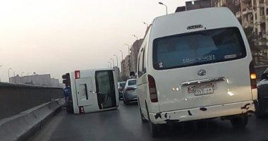 إصابة 5 أشخاص فى حادث انقلاب سيارة بالعلمين فى الساحل الشمالى