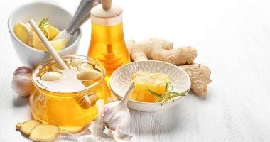 صحتك فى وصفة.. زنجبيل وعسل وليمون وثوم لخفض نسبة الكوليسترول