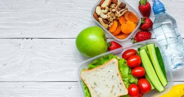 How to encourage your child to eat healthy meals to strengthen his immunity before school returns