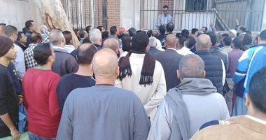 شكوى من تكدس المواطنين داخل شهر عقارى ثانى فى 6 أكتوبر