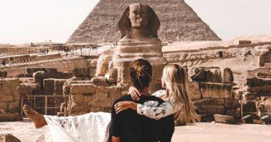"""""""عظمة أم الدنيا"""" .. 7 صور توثق زيارة """"مارى"""" و""""جاك سنو"""" لمعالم مصر"""