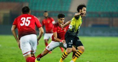 فيديو.. محمد يوسف يعيد اكتشاف نصف دستة لاعبين فى الأهلى