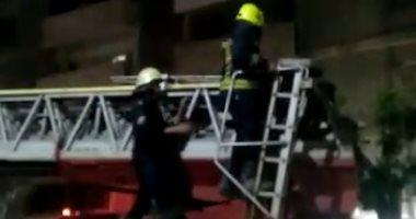 السيطرة على حريق داخل مخزن فى الأزبكية دون إصابات