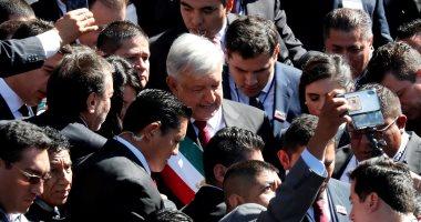 احتفالات شعبية خلال مراسم تنصيب أول رئيس يسارى للمكسيك