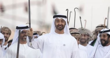 ولى عهد أبوظبى وعاهل البحرين يبحثان العلاقات الثنائية والقضايا الإقليمية
