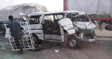 إصابة 7 أشخاص فى حادث تصادم سيارتين بطريق الواحات الصحراوى