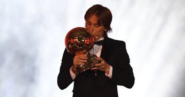 فرانس فوتبول تكشف موعد إعلان المرشحين لجائزة الكرة الذهبية