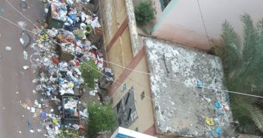 شكوى من تراكم القمامة بشارع سوق شيديا فى الإسكندرية