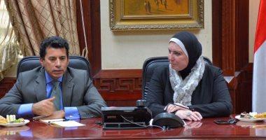 وزير الشباب يلتقى رئيس جهاز تنمية المشروعات المتوسطة والصغيرة