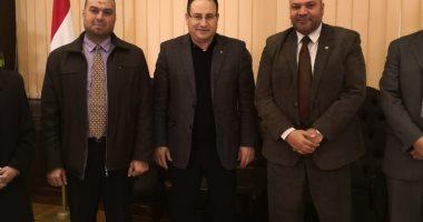 محافظ الإسكندرية يستعرض إجراءات السيطرة على حريق شركة البترول