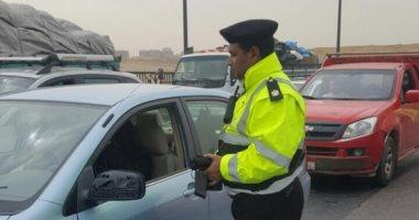 ضبط سائقين من متعاطى المخدرات خلال حملة مرورية بأسوان