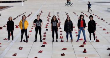 نساء اسرائيل تحتج بالأحذية الحمراء اعتراضاً على العنف ضد المرأة..صور