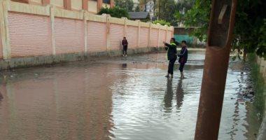قارئ يشكو غرق العوايد بمياه الأمطار ويطالب بتركيب مصافى لسحبها بالإسكندرية