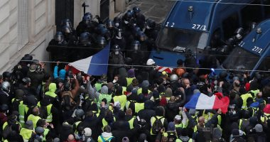 شاهد..أقوى مشاهد العنف فى تظاهرات أصحاب السترات الصفراء بباريس