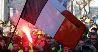 """50 صورة ترصد """"سبت الغضب"""" فى فرنسا.. والمحتجون يطالبون برحيل ماكرون"""