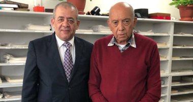 العالم المصرى محمد غنيم يستقبل رئيس نادى قضاة مجلس الدولة بمكتبه