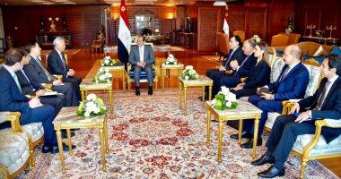 الرئيس عبد الفتاح السيسي يستقبل رئيس البنك الآسيوي للاستثمار