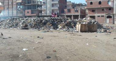 قارئ يشكو انتشار القمامة بشارع أحمد عرابى الرئيسى  فى شبرا الخيمة