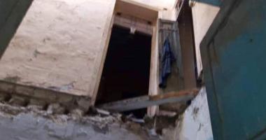 صور.. مصرع شخصين في انهيار أسقف عقار بالإسكندرية