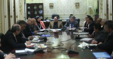 وزير قطاع الأعمال يعلن من البرلمان دمج 23 شركة غزل ونسيج فى 10 شركات
