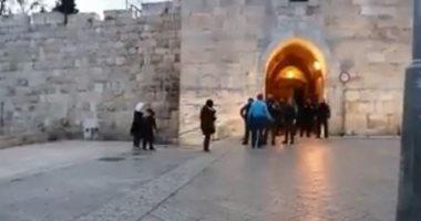 شرطة إسرائيل تطلق النار على فلسطينية بزعم محاولتها طعن جنود شرق القدس 20181213100952952.jp