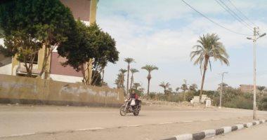 قارئ يطالب بمطب صناعى أمام مجمع مدارس نجع النجار بسوهاج