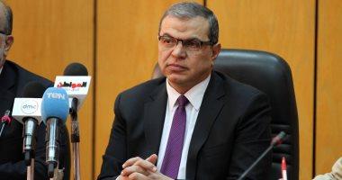 وزير القوى العاملة يهنئ محافظ أسوان وشعبها بالعيد القومى للمحافظة