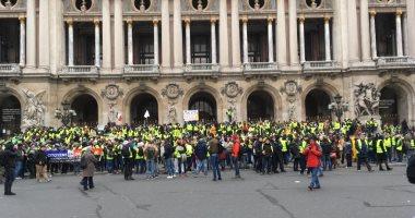 محتجون يرتدون سترات صفراء يقتحمون مكتب المدعي العام البريطاني