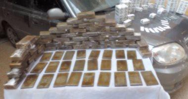 القبض على 12 تاجر مخدرات بحوزتهم 6 كيلو حشيش وأسلحة نارية بالقليوبية