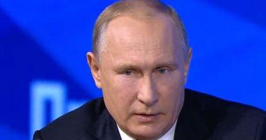 بوتين يمنح رئيس الفيفا وسام الصداقة الروسى