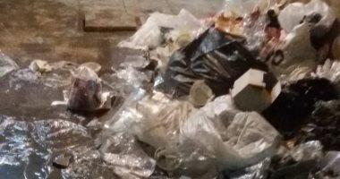 قارئ يشكو انتشار القمامة  داخل نفق شبرا الخيمة
