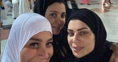 أحلى مكان لتجمع الأحبة.. شاهد الإعلامية بسمة وهبة تؤدى مناسك العمرة