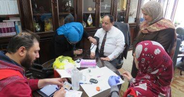 """وزير المالية يجرى المسح الطبى بمبادرة القضاء على فيروس """"سى"""""""