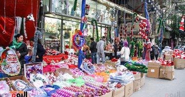 هدايا بابا نويل واحتفالات رأس السنة تزين شوارع المحروسة