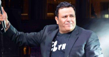 بعد وفاة شقيقه.. هل يتغلب محمد فؤاد على أحزانه أم يلغى حفلاته برأس السنة؟