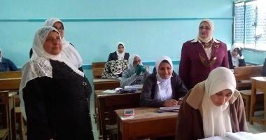 بدء امتحانات النقل بكفر الشيخ ووكيل التعليم تتفقد اللجان