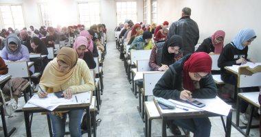 """صور.. انتظام الامتحانات بجامعة القاهرة.. و""""الخشت"""": حالات الغش قليلة"""