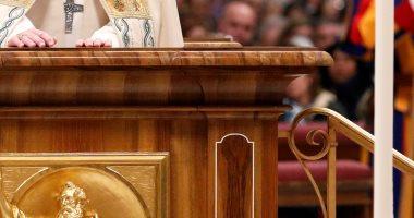 صور.. بابا الفاتيكان يترأس صلاة الغروب فى أخر أيام 2018
