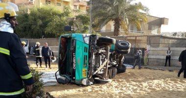 انقلاب سيارة نقل بطريق إسكندرية الزراعى أمام طوخ دون إصابات