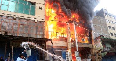 3 سيارات إطفاء تسيطر على حريق بشقة خلف قسم ثان شبرا الخيمة