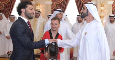 شاهد..أول صور لمحمد صلاح مع بن راشد وولى عهد دبى باحتفالية الإبداع الرياضى