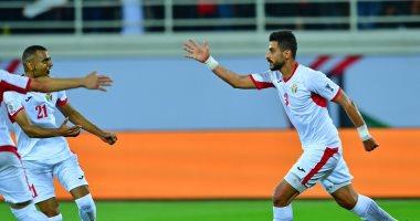 الاردن يصعد لدور الـ 16 فى كأس أسيا بثنائية أمام سوريا.. فيديو