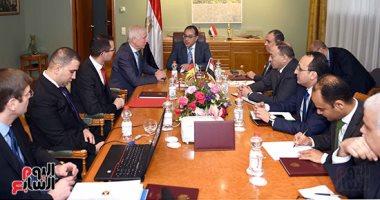 صور.. رئيس الوزراء يلتقى ممثلى عدد من الشركات الألمانية العاملة فى تدوير القمامة