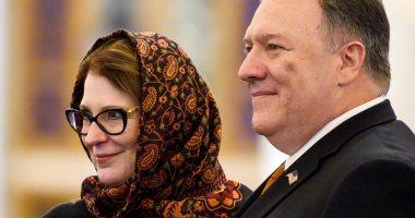 صور.. سوزان بومبيو زوجة وزير الخارجية الأمريكى تخطف الأضواء بالحجاب