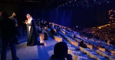 """صور.. مسرح """"المرايا"""" بالسعودية يستعد لانطلاق حفل الموسيقار عمر خيرت"""