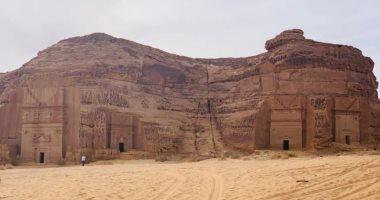 زيارة مدير المتحف المصرى إلى مدائن صالح بالسعودية..صور وفيديو