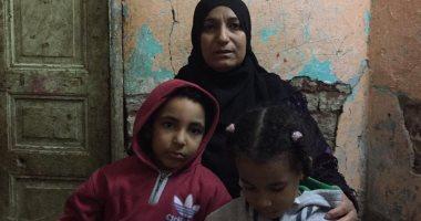 فيديو وصور.. أرملة بسوهاج تعول طفلين ومديونة بسبب العلاج وتطالب التضامن بمساعدتها