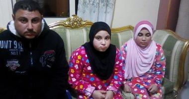 علياء وحبيبة طفلتان يمنعهما مرض العظم الزجاجى من الذهاب للمدرسة