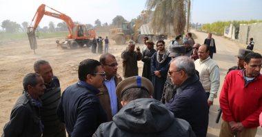 محافظ قنا يقود حملة لإزالة التعديات على أملاك الدولة بنجع حمادى